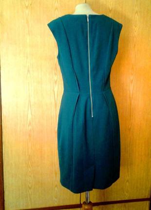 Красивое зеленое платье с молнией на спине ,м.