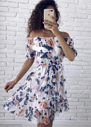 Шикарное новое платье цветочный принт спущенные плечи