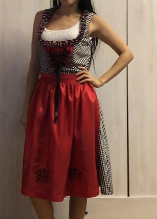 Платье корсетное с фартухом