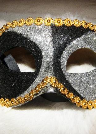 Маска на глаза карнавальная