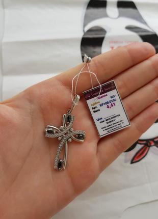 Продам серебряный женский крест 925