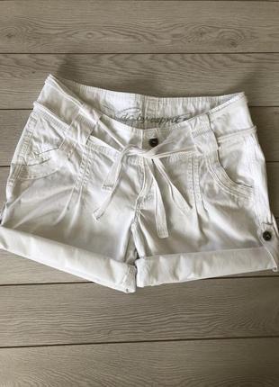 Шорты белые, шорти білі жіночі