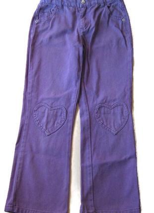 Джинсы на девочку, на 8-9 лет. фиолетовый цвет.