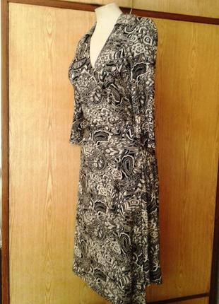 Черно -белое платье на запах, х2 фото