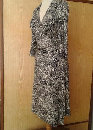 Черно -белое платье на запах, х4 фото