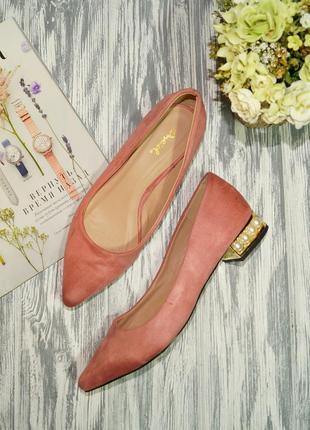 Qylid. красивые туфли лодочки на низком ходу