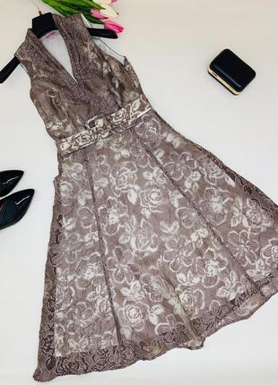 Кружевное платье миди с пышной юбкой .