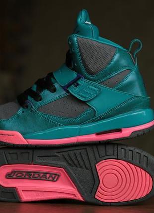 c5a802322 Женские кроссовки Джорданы (Jordan) 2019 - купить недорого вещи в ...