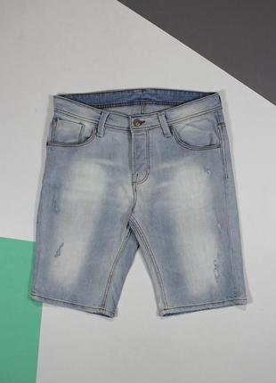 Четкие джинсовые шорты с высветлениями и рваностями от cult edition