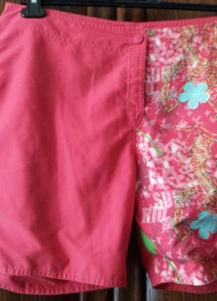 Яркие шорты с накатом-decathion--40 42р