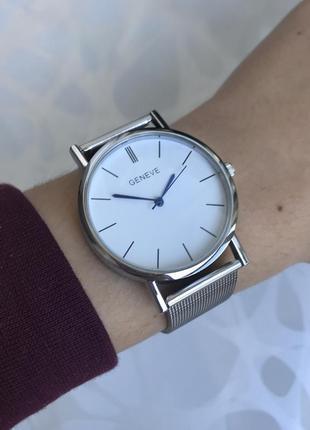 Наручные женские тонкие часы geneva с металлическим ремешком серебристые