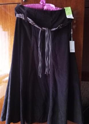 Вельветовая коричневая юбка в мелкий рубчик полусолнце фирмы papaya