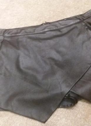 Крутые кожанные шорты- missguided -14 16р4 фото