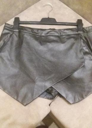 Крутые кожанные шорты- missguided -14 16р8 фото