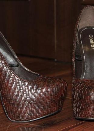 Туфлі на високій шпильці centro
