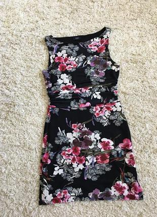 Платье в цветы от f&f