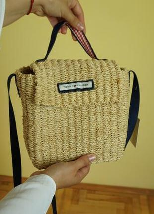 Tommy hilfiger плетеная сумочка новая!