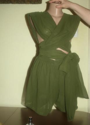 Стильные темно-зеленые шорты-комбинезон-трансформер с длинным шелковым бантом