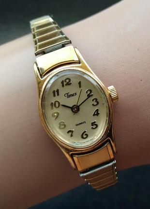 Timex изящные овальные часы из сша в золотом тоне philippines