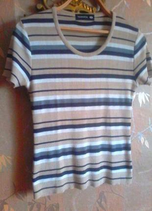 Легкая дышащая футболка на размер l-xl