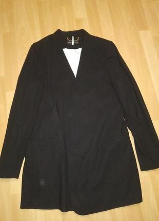 Удлиненный пиджачек