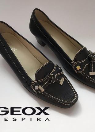00ccf48e2 Кожаные туфли лоферы на небольшом каблучке с дышащей подошвой geox respira  38 размер.