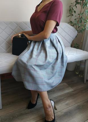 Стильный комплект блуза с юбкой в клетку