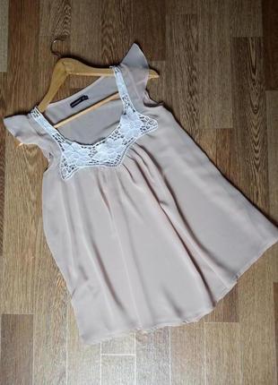 Легкая полупрозрачная блуза цвета пудры с кружевом