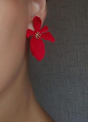 Серьги цветочки цветы красные сережки в стиле zara