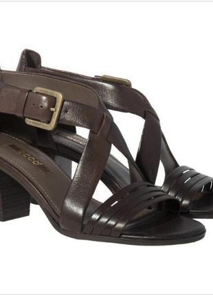 Шикарные  кожаные босоножки  размер -40 41, бренд - ecco