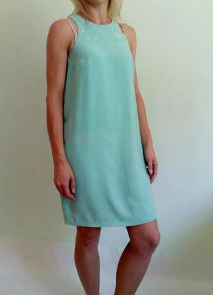 Лёгкое платье прямого кроя xs-s