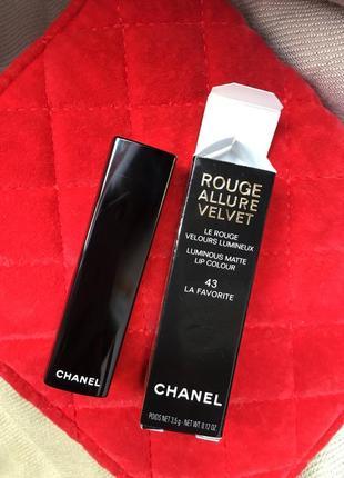 Помада chanel rouge allure velvet  бархатная текстура, атласное сияние, увлажнение и уход
