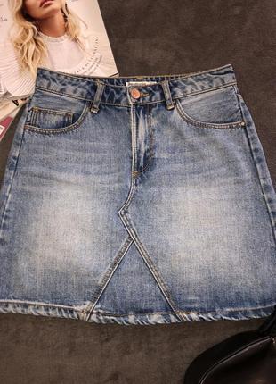 Джинсовая мини-юбка stradivarius