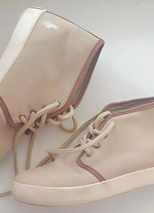 Фірмове взуття, оригінал