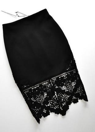 Оригинальная черная юбка миди с кружевом
