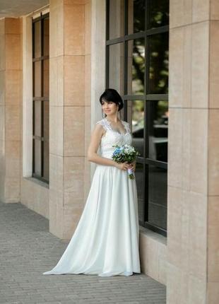Свадебное платье, можно беременным.