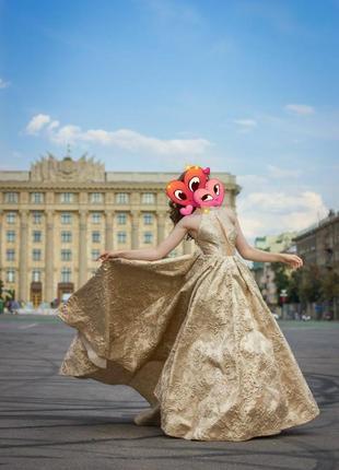 Роскошное платье на свадьбу/выпуск