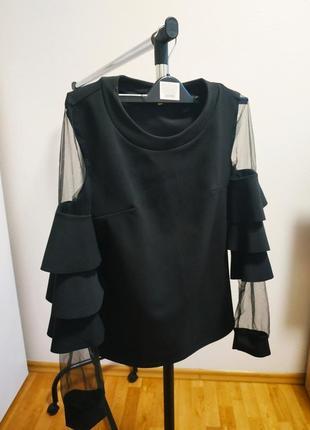 Черная блуза с сеткой на рукавах / водолазка