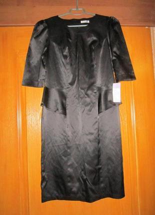 Новое атласное платье с баской 48-50 l