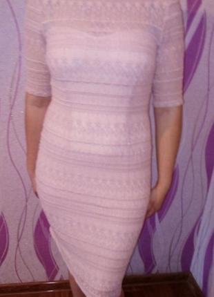 Кружевное нежное платье