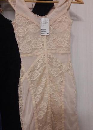 Бандажное платье из стрейч кружева