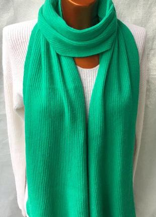 Новый в рубчик яркий зелёный шарф от  exclusive
