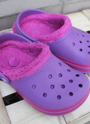 Необычные утепленные кроксы яркого цвета crocs аквашузы сабо сандалии