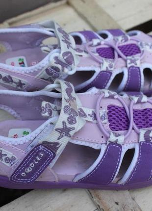 Великолепные сандали для девочки clarks girls doodles beach fun lilac sandals