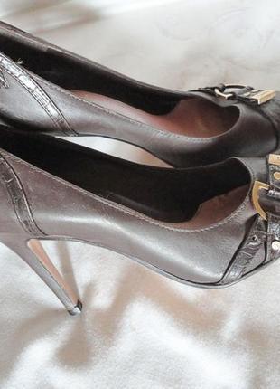 Полностью кожаные туфли шпильки, пр. бразилия