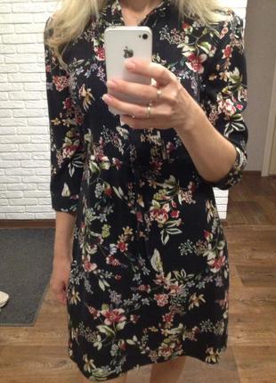 Красивое платье рубашка reserved с модным цветочным принтом