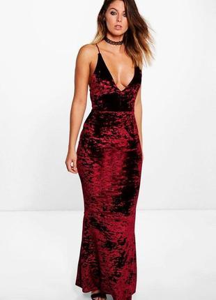 Длинное вечернее бордовое бархатное платье макси с открытой спиной