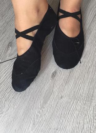 Чешки новые черные с кожаными вставками / нові чорні балетки, шкіра