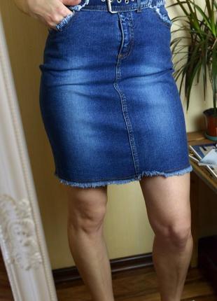 Джинсовая юбка с бахромой