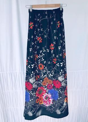 Довга юбка в квіти